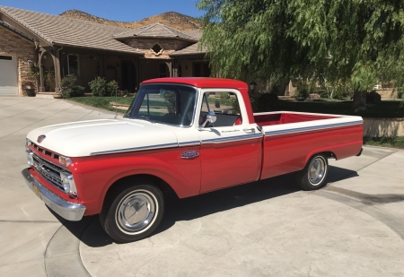 1966 Ford F-100 Custom Cab 352ci V8 Automatic