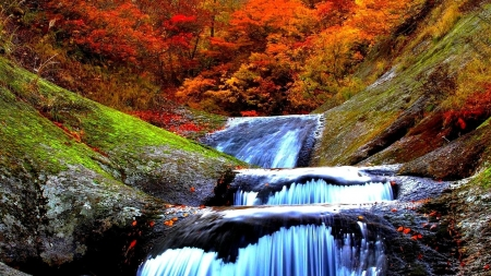 Autumn Waterfall - red, fall, autumn, creek, mountain, leaves, cascades, waterfall, moss, nature