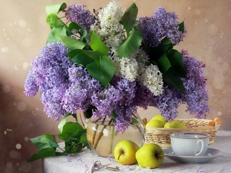 PRETTY LILACS - APPLES, PRETTY, FLOWERS, LILACS