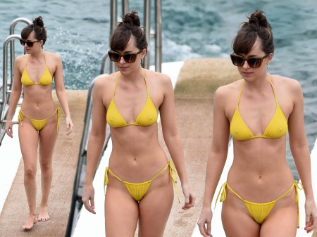 Dakota Johnson - Johnson, model, beautiful, bikini, Dakota, actress, wallpaper, 2017, Dakota Johnson, blend