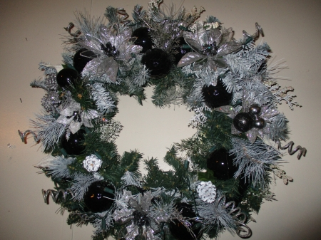 Black and Silver Wreath - Silver, Christmas, Wreath, Black, Sparkle