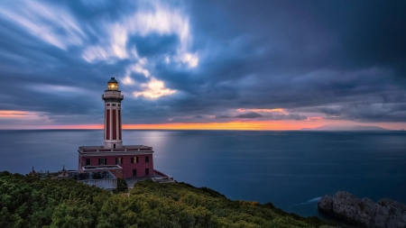 lighthouse sunset - fun, ocean, cool, sunset, lighthouse, nature