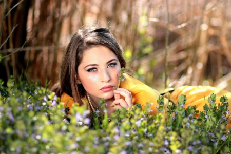 Pretty Woman - Flowers, Brunette, Pretty, Woman, Yellow