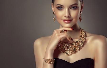 jewelry - Fashion & Entertainment Background Wallpapers on Desktop Nexus  (Image 2351840)