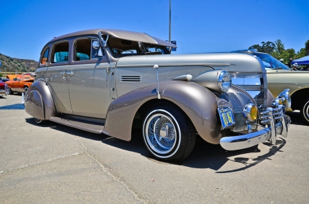 1939 Lowrider Chevy Master Delux - photo, chevy, oldie, lowrider, vintage