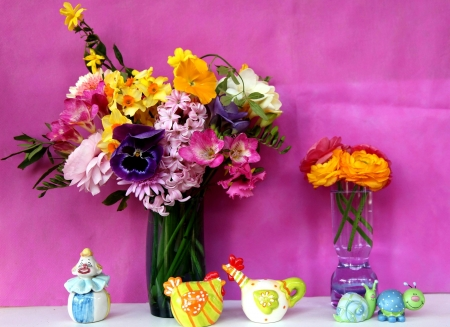 Happy spring! - colorful, snail, chicken, yellow, easter, spring, card, bouquet, flower, pink, figurine, blue