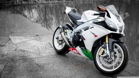 aprilia rsv4 - motorcycle, bike, wall, aprilia