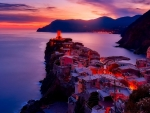 Vernazza at Sunset(Cinque Terre, Italy)