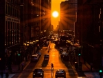 Chicagohenge Equinox in an Aligned City