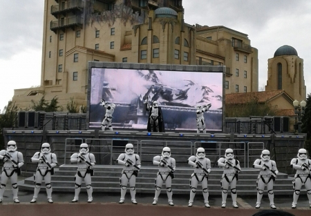 troopers - architecture, parks, france, star wars, disney