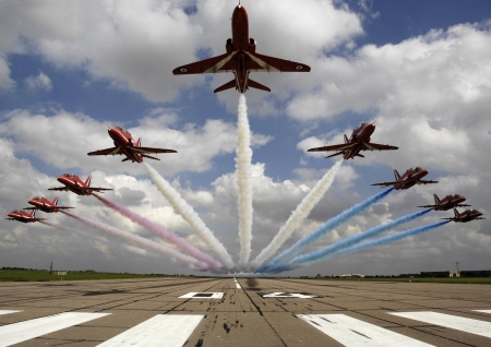 Starburst - photo, flight, red arrows, planes, display