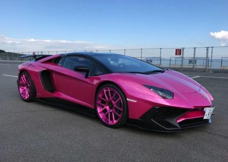 Fuchsia Pink Lamborghini Aventador