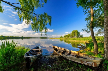 Abandoned boats - boats, serenity, lake, abandoned