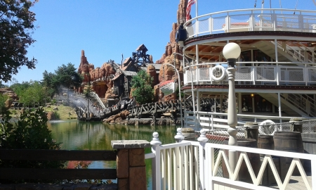 vue sur la mine - paris, disneyland, river, boat