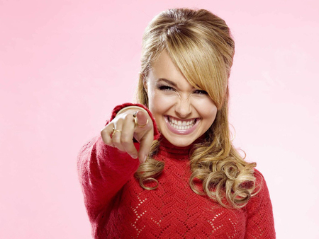 Hayden Panettiere Pointing in Red Sweater - pointing, red sweater, hayden panettiere