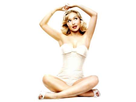 Hayden Panettiere - armpits, crosslegged, armpit, hayden panettiere