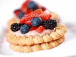 Cookies And Berries Dessert
