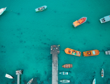 Bird's eye view of pier and boats - view, piers, ocean, above, sea, turquoise, boats, aqua, nature, aerial