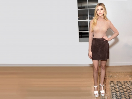 Nicola Peltz - Nicola Peltz, Peltz, Nicola, model, beatiful, legs, skirt, 2018, heels, actress, wallpaper, hot, top