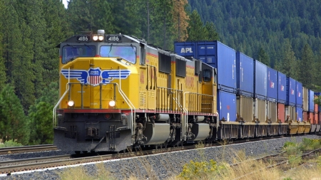 Union Pacific Freight Train - train, transport, HD, pacific, technology, union, delivery, yellow, freight, blue