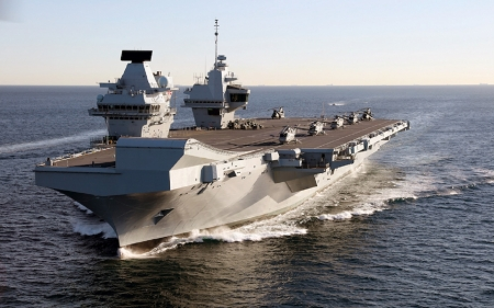 WORLD OF WARSHIPS  HMS QUEEN ELIZABETH MULTI-ROLE LARGE AIRCRAFT CARRIER - capacity 1600, speed 25 knots, RR Marine GT, 932 ft length, 65000 tons, 10000 miles range
