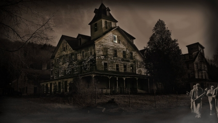 Creepy Ghostly House - Nature, Haunted Houses, Nights, Architecture, Ghosts, Halloween, Fall Holidays