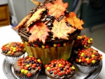 Thanksgiving Cake And  Cupcakes With Leaves