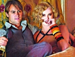 Stuart Townsend and Charlize Theron (Head in the clouds)