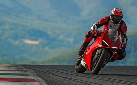 Panigale V4 S Action - V4 S, moto, Panigale, Ducati