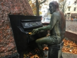 Autumn Pianist in Germany