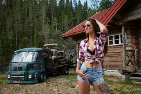 Miss Tuning 2019- July - Custom Truck, Shorts, Babe, Cabin