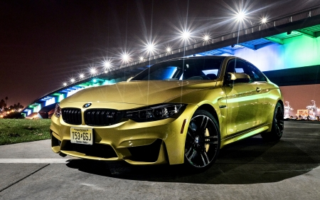 2018 BMW M4 - car, bmw, side view, vehicle, 2018 BMW M4, green cars, bmw m4