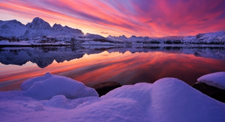 Arctic Norway Sunset - winter, sea, colorful, arctic, ocean, clouds, sky, cold, water, snow, mountains, ice, reflection