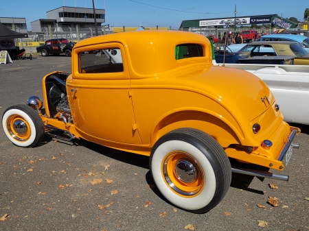 Custom Coupe - rod, coupe, custom, orange