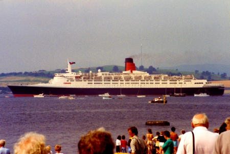 The QE2 At Greenock - Scotland (July 1990) - Scottish Built Ships, QE2, Greenock, Clyde built ships, River Clyde, Scotland, Firth of Clyde