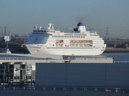 Cruise Ship - Cruise Liners, Tilbury, Ships, Boats, Ocean Liners