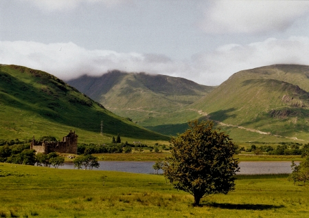Kilchurn Castle On Loch Awe - Scotland - Loch Awe, Scottish Lochs, Scottish Castles, Kilchurn Castle, Scottish Highlands, Scotland
