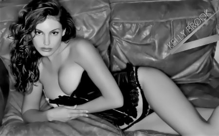 Gorgeous Kelly Brook - Model, Glamour, Brunette, Kelly Brook