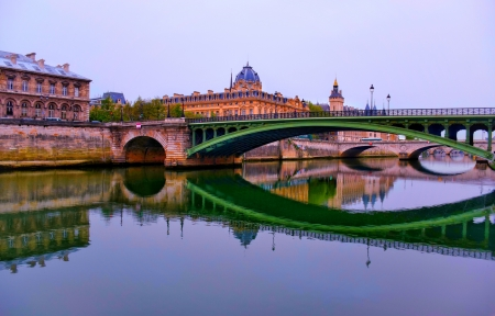 Beautiful bridge reflectoin in paris - Paris wallpaper, Wallpaper, Sky, Morning, Architecture, Light in the morning, France, Beautiful, Reflection, Water, Europe, Bridge, Paris, Sunrise