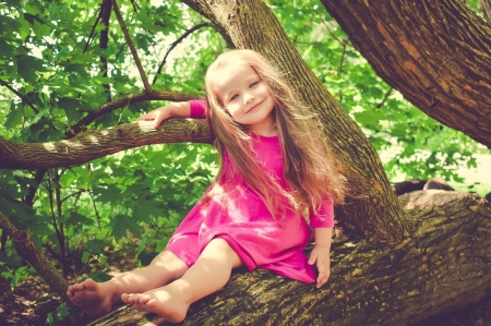 Little girl - photography, people, beauty, child, face, pink, bonny, Belle, leg, lovely, comely, pure, blonde, smile, fun, baby, sit, cute, tree, girl, feet, summer, childhood, white, pretty, adorable, sweet, sightly, nice, wallpaper, Hair, little, DesktopNexus, beautiful, dainty, kid, fair, princess, outdoor