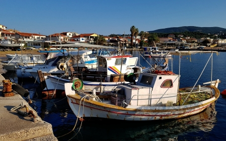 Fishing Port in Greece - ships, Greece, port, fishing, harbor