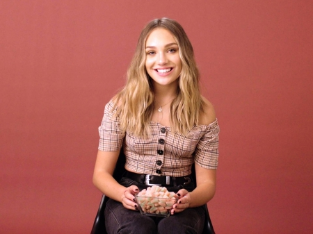 Maddie Ziegler - Actresses & People Background Wallpapers on Desktop