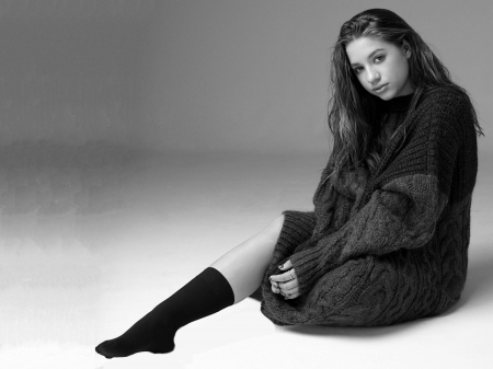 Maddie Ziegler - dancer, legs, model, Ziegler, beautiful, sock, Madison, Maddie Ziegler, 2019, actress, sweater, wallpaper, foot