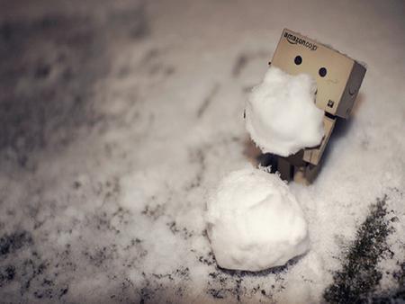 Danbo Making A SnowMan - danbo, robot, cute