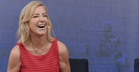 Chrissie Evert - red, necklace, New York City, Chris Evert, Chrissie Evert, 2850x1478, jewelry, Grand Slam Champion, stone, laughing, ESPN, legend, mercedes, US Open Champion