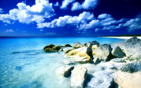 Beachfront Rocks - nature, beaches, rocks, oceans, beachfront, clouds