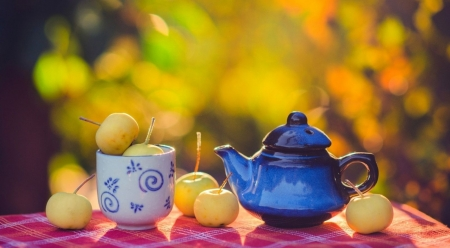 Autumn apples - fruits, tea, abstract, aplles, fall, autumn, softness, still life, photography, wallpaper, drink
