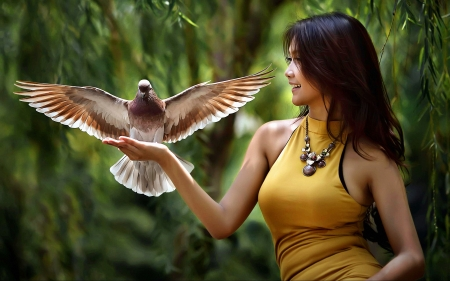 Fantastic pigeon - pigeon, beautiful, girl, bird