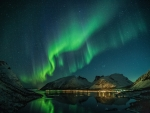 Stunning aurora at lake
