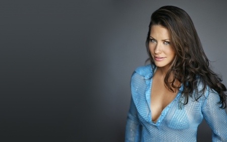 Evangeline Lilly - gray background, brunettes, Evangeline Lilly, actresses, closeup